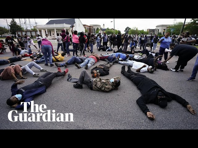 North Carolina: protests after police shooting of Andrew Brown